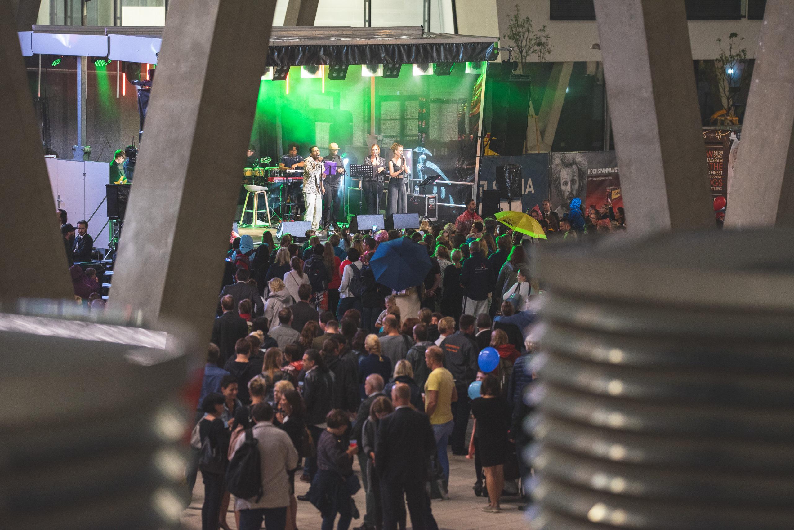 Bühnenprogramm bei Austria Campus Eröffnung - Zeitgeist events & PR