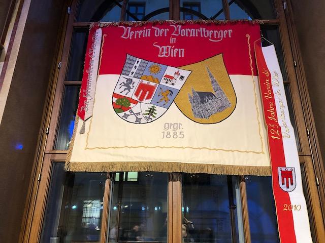 Die Vereins Flagge. Verein der Vorarlberger in Wien