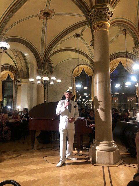 Louie Austen & Friends. Ländle Ball Cafe Central